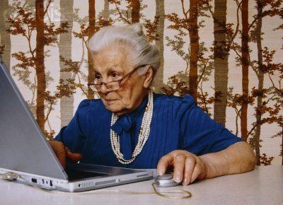 Может ли бабушка выписать внуков из своей квартиры?