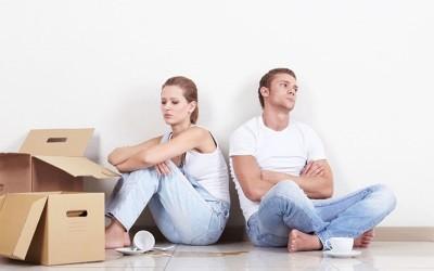 Может ли муж выселить жену из квартиры если он собственник просто так