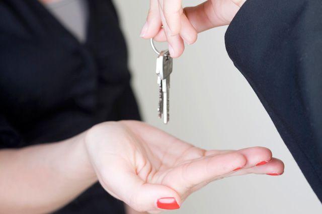 Приватизировать служебную квартиру через суд